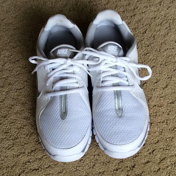 le scarpe nike freewalk whitesilver 75 poshmark